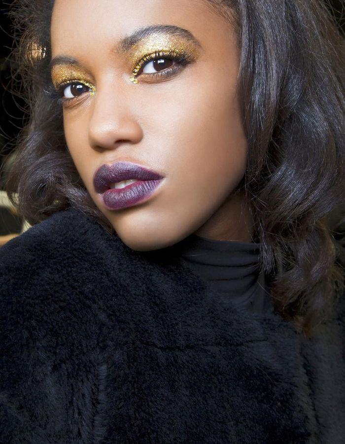 maquillage r veillon contrast 40 id es de maquillage de r veillon pour briller elle. Black Bedroom Furniture Sets. Home Design Ideas