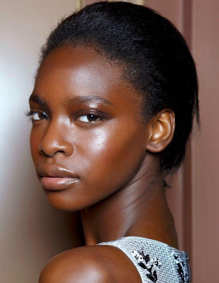 maquillage solaire pour peaux noires tendance 15 jolis. Black Bedroom Furniture Sets. Home Design Ideas