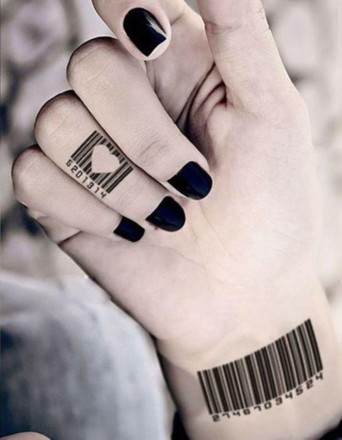 tatouage doigt original des tatouages jusqu au bout des. Black Bedroom Furniture Sets. Home Design Ideas