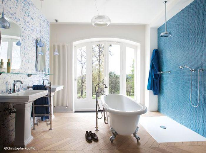 Tendance les salles de bains l 39 ancienne elle d coration - Meuble salle de bain ancien en bois ...