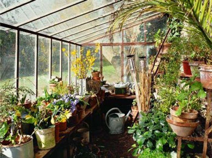 Serres l 39 ancienne de la po sie au jardin elle d coration for Decoration jardin interieur