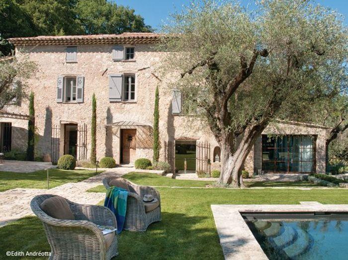 Cannes une maison de vacances pas du tout bling bling for Visite maison de star