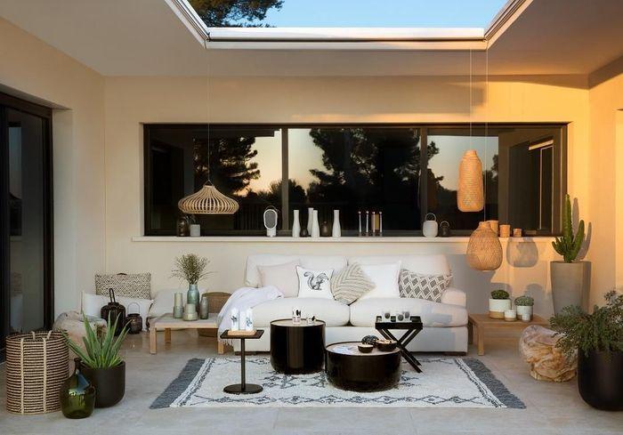 Une table de balcon Habitat