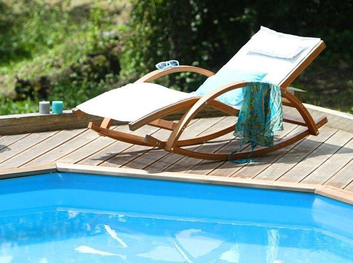 40 chaises longues et transats pour un t relax elle d coration. Black Bedroom Furniture Sets. Home Design Ideas