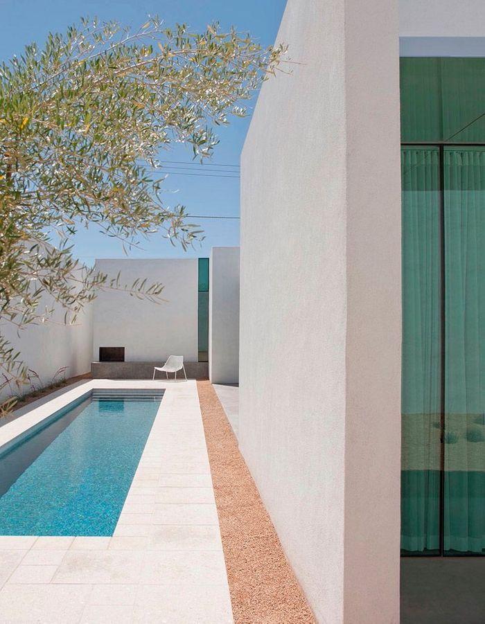 Un couloir de nage minimaliste