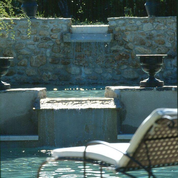 Les piscines de r ve de notre t sur pinterest elle for Piscine sud les dauphins grenoble