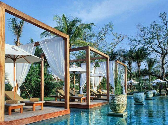 les plus belles piscines d h tels du monde pour r ver elle d coration. Black Bedroom Furniture Sets. Home Design Ideas