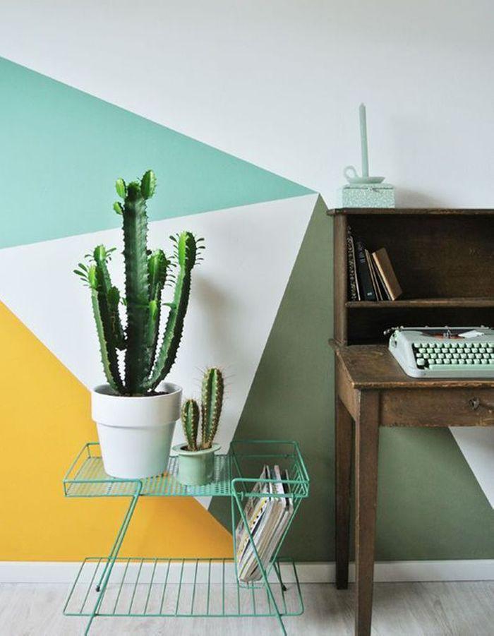 Cactus au milieu d'une déco graphique
