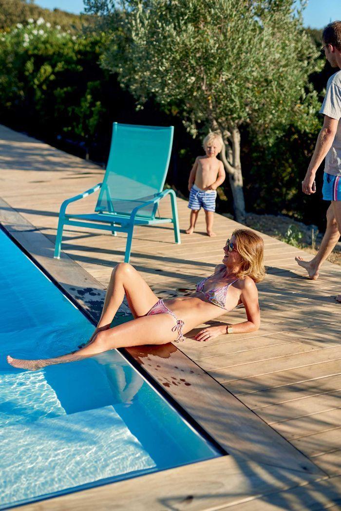 Une pause en bord de piscine
