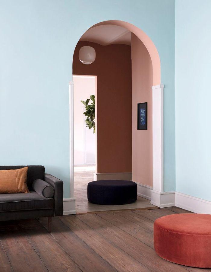 Un couloir terracotta