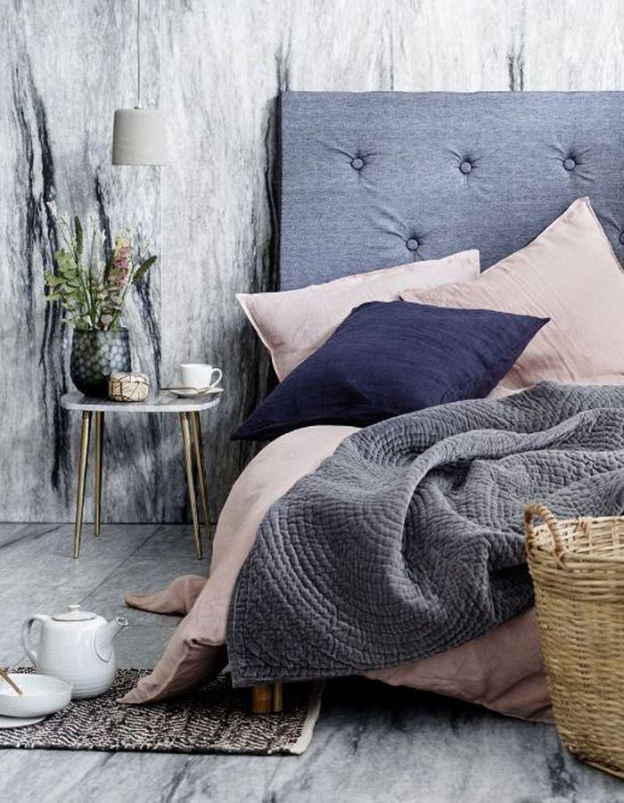 Du linge de lit en lin bleu marine