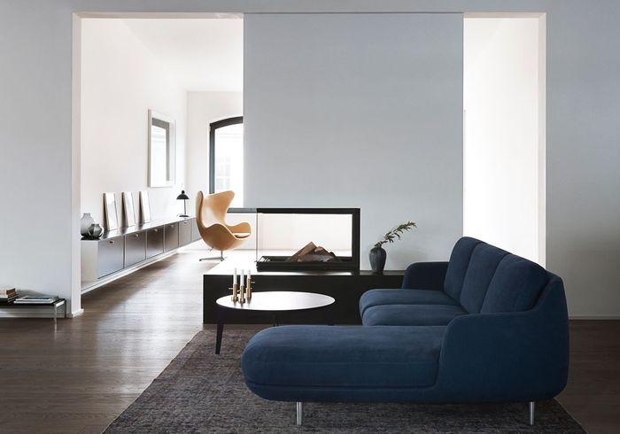 Un canapé bleu marine