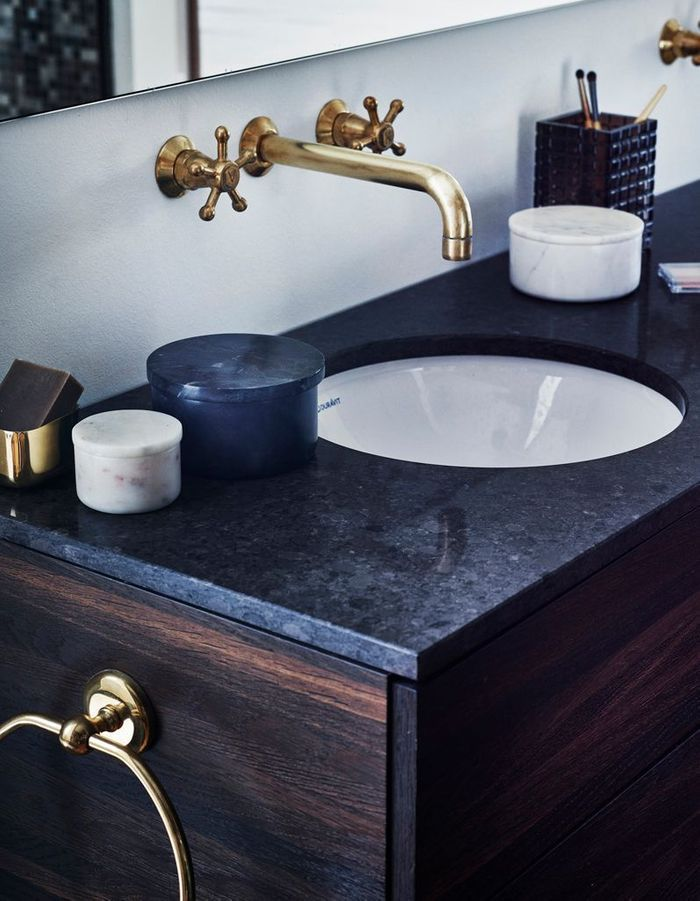 bleu marine et si le bleu marine tait le nouveau noir. Black Bedroom Furniture Sets. Home Design Ideas