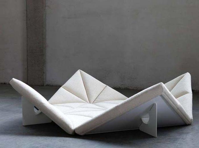 designer conna tre pierre paulin elle d coration. Black Bedroom Furniture Sets. Home Design Ideas