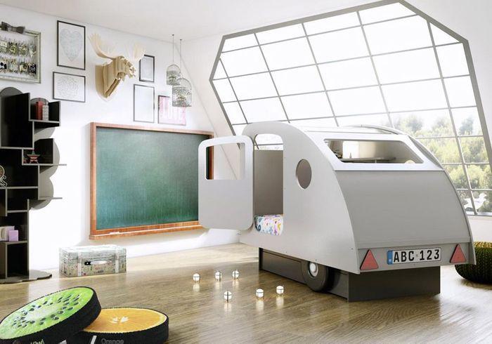Un lit caravane au toit rétractable
