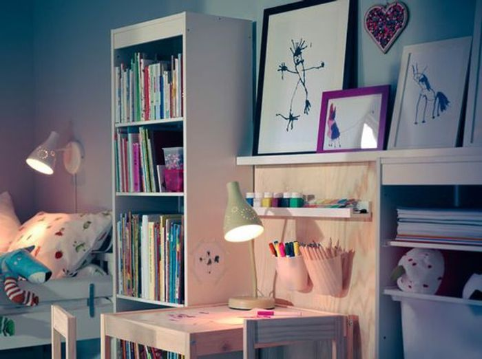 15 id es pour relooker une chambre d 39 enfant sans se ruiner elle d coration. Black Bedroom Furniture Sets. Home Design Ideas