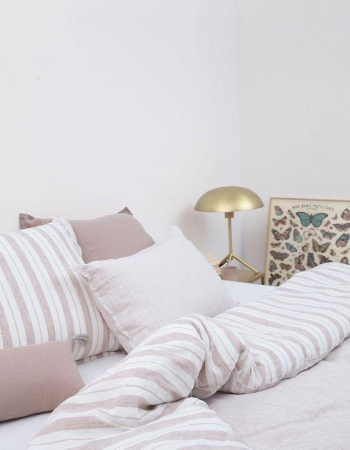 parure de lit en lin trendy housse de couette gris clair cool parure lit x with moderne et con. Black Bedroom Furniture Sets. Home Design Ideas