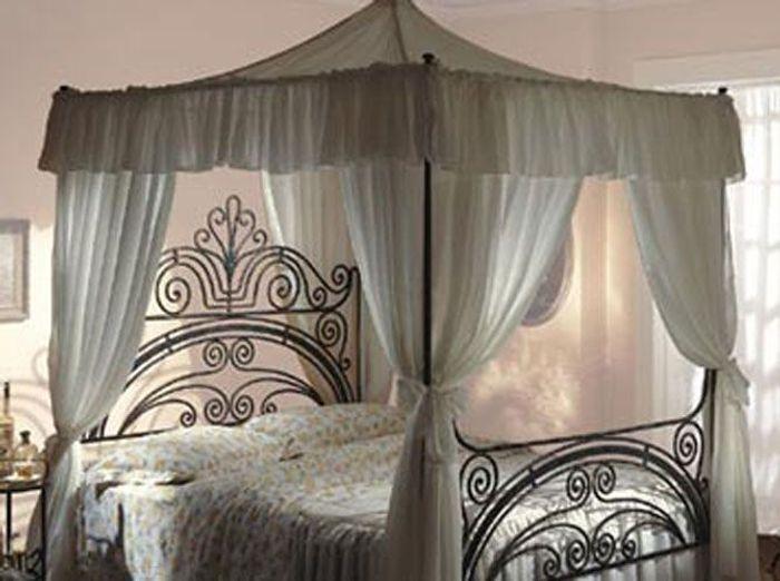 des ciels de lit et lits baldaquin pour r ver elle. Black Bedroom Furniture Sets. Home Design Ideas