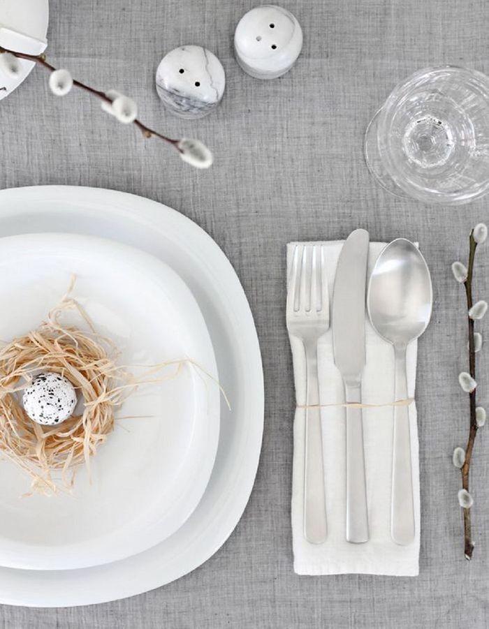 Une déco de table élégante pour Pâques