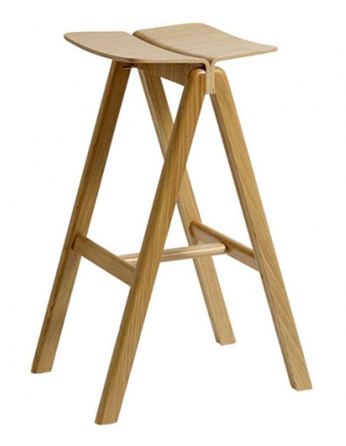 Chaise haute de bar en bois affordable chaise haute pour for Tabouret de cuisine fly