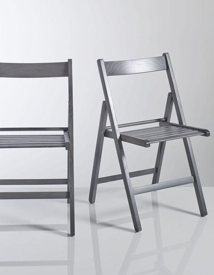 Des chaises qui se plient quand on ne s'en sert pas