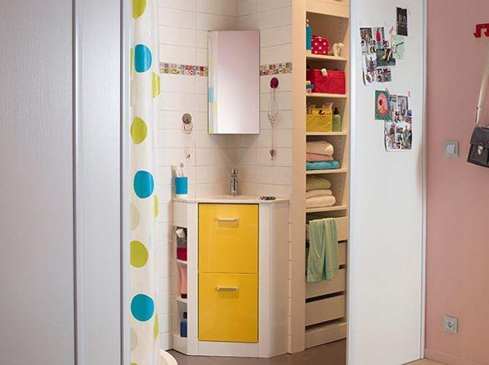 Petite salle de bains les meubles qu 39 il vous faut for Petit lavabo salle de bain