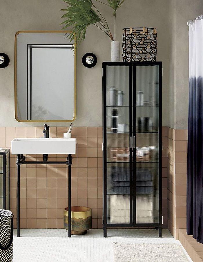 Voici les plus jolis miroirs de salle de bains elle for Vitrine salle de bain