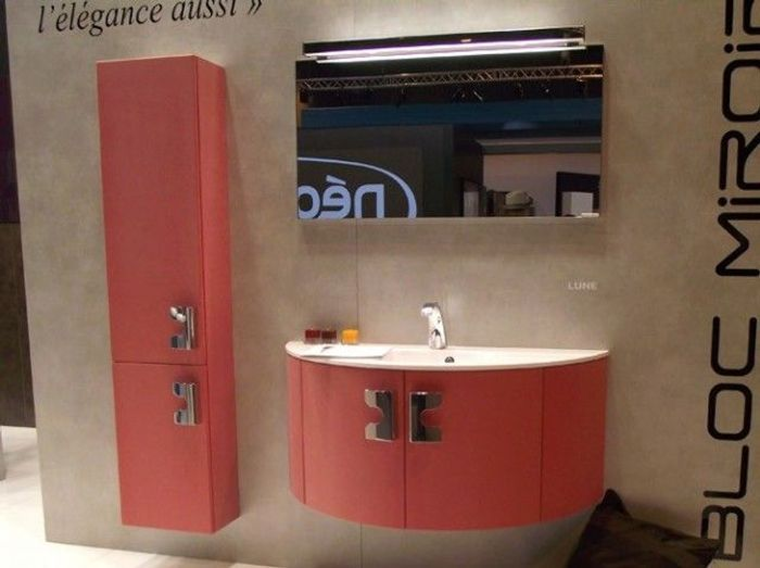les couleurs s invitent dans la salle de bains elle. Black Bedroom Furniture Sets. Home Design Ideas