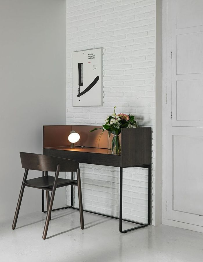 un bureau design pour un espace de travail styl elle d coration. Black Bedroom Furniture Sets. Home Design Ideas