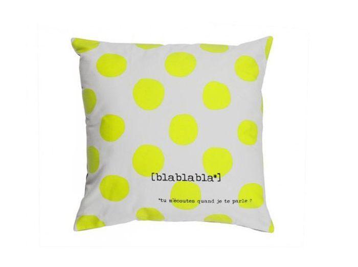 Les coussins donnent du style votre canap elle d coration - Coussin jaune ikea ...