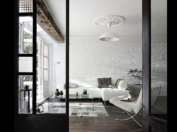Le noir blanc s invite au salon elle d coration - Salon noir et bois ...