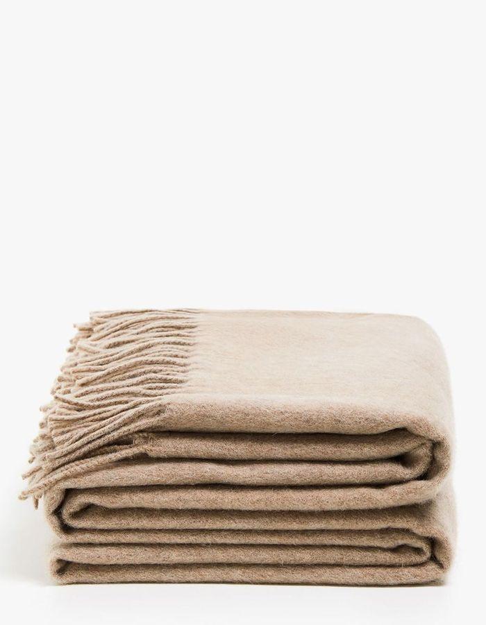 Une couverture en cachemire pour une déco cocooning