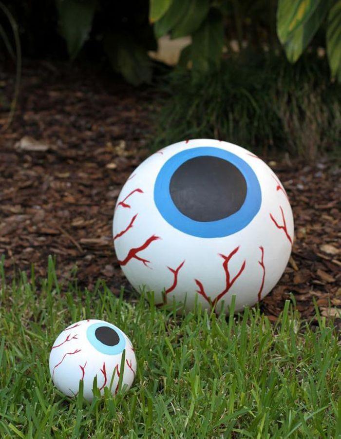 Décoration Halloween : l'œil ensanglanté