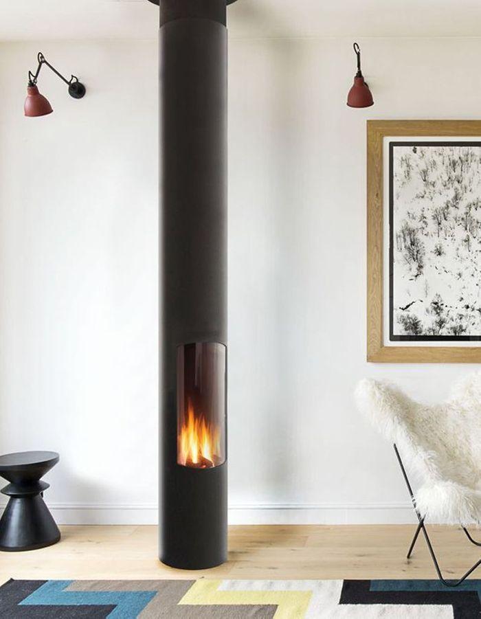 Une cheminée moderne tubulaire