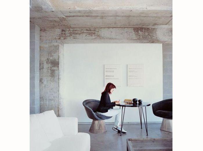 adopterez vous la tendance du mur brut elle d coration. Black Bedroom Furniture Sets. Home Design Ideas