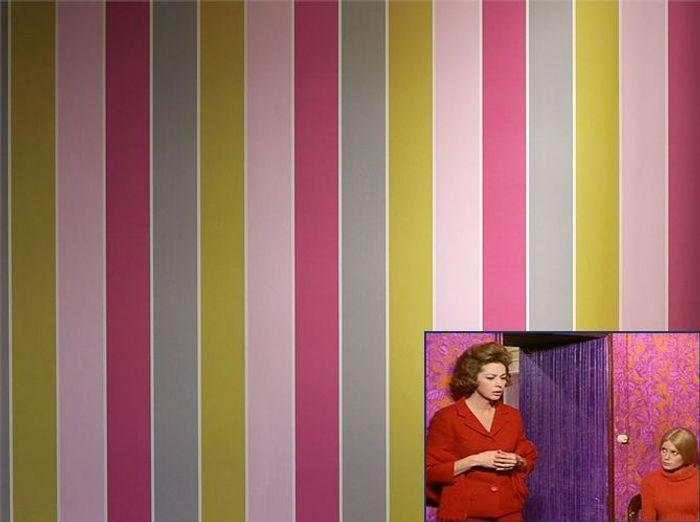 Un papier peint féminin comme dans Les Parapluies de Cherbourg (1964)
