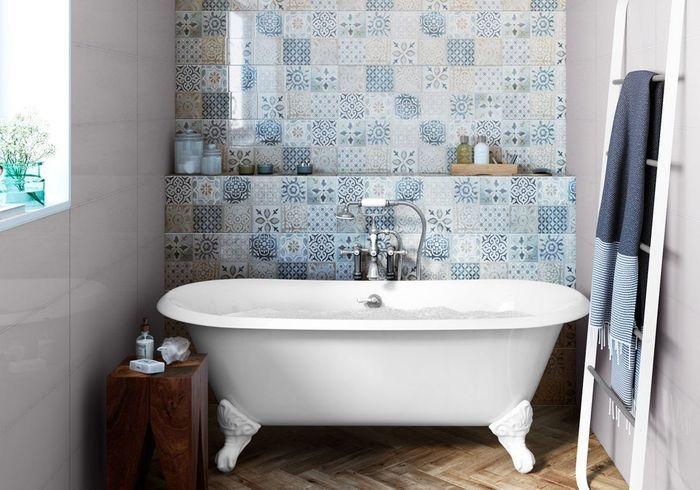 Carreaux de ciment esprit patchwork dans la salle de bains
