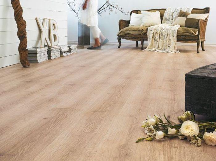 ces sols qui imitent le parquet la perfection elle d coration. Black Bedroom Furniture Sets. Home Design Ideas