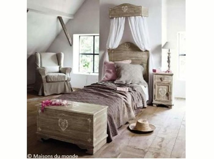 stunning un chambre romantique with lit baldaquin maison du monde. Black Bedroom Furniture Sets. Home Design Ideas