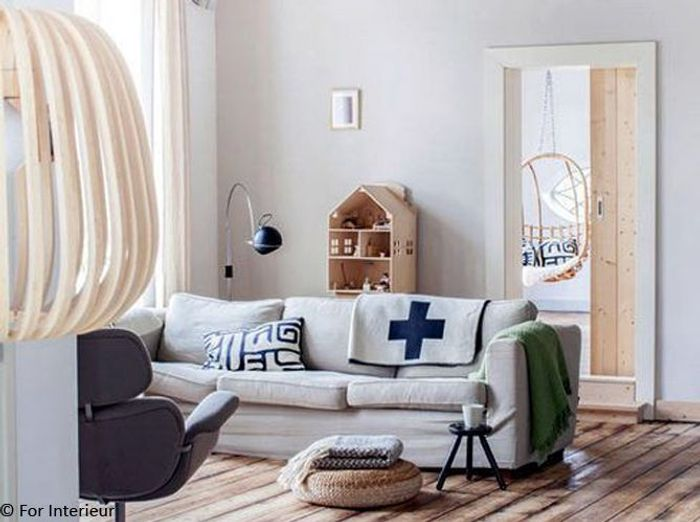 Une ancienne ferme devient une jolie maison de famille - Idees de salons au charme industriel scandinave ...