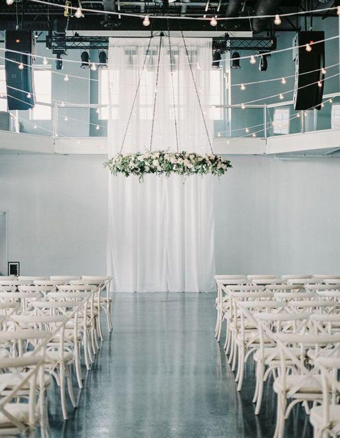 Couronne de fleurs pour cérémonie de mariage