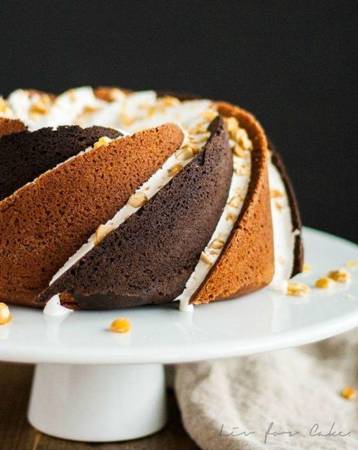bundt cake beurre de cacahu tes et cacao des bundt cakes inspirants elle table. Black Bedroom Furniture Sets. Home Design Ideas