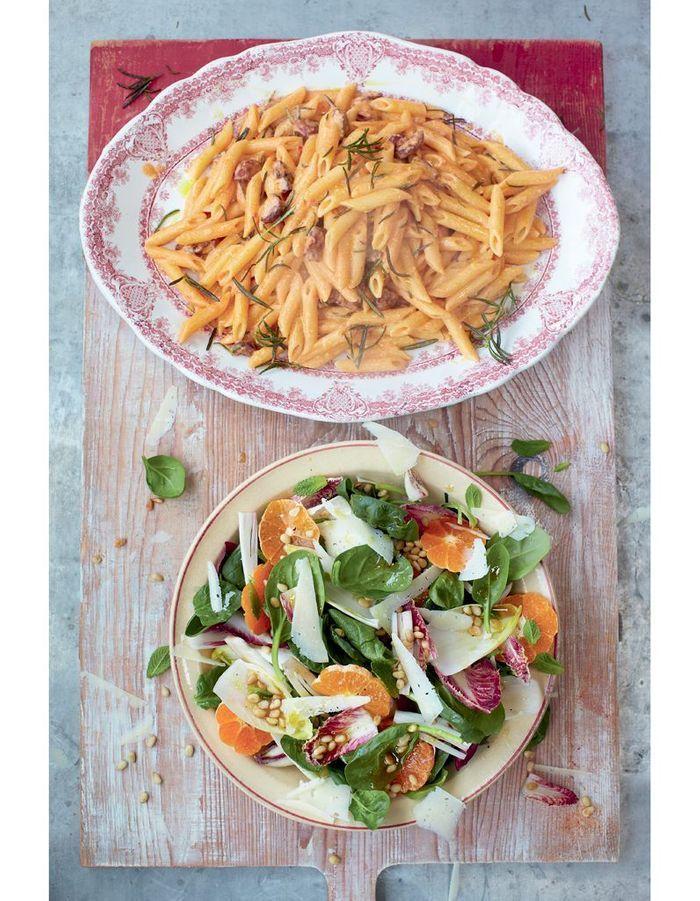 carbonara au chorizo salade catalane jamie oliver 4 d ners en moins de 15 minutes elle. Black Bedroom Furniture Sets. Home Design Ideas