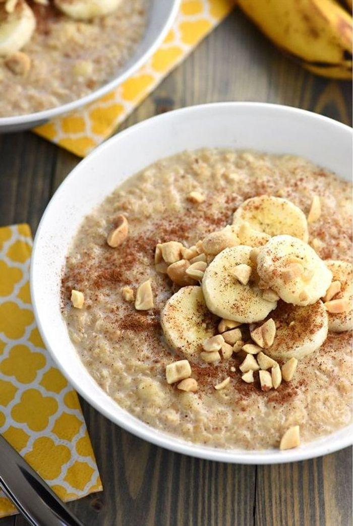 porridge banane beurre de cacahu tes oatmeal 7 id es aux flocons d 39 avoine pour un petit. Black Bedroom Furniture Sets. Home Design Ideas