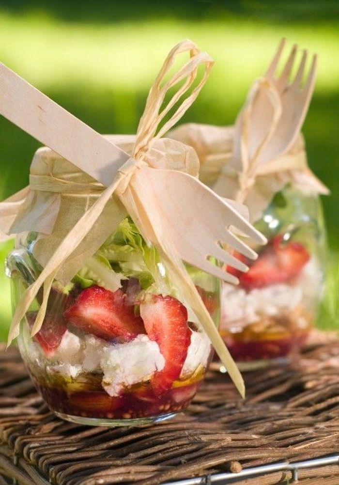 Salade en bocal quel pique nique pour les enfants elle table - Salade en bocal ...