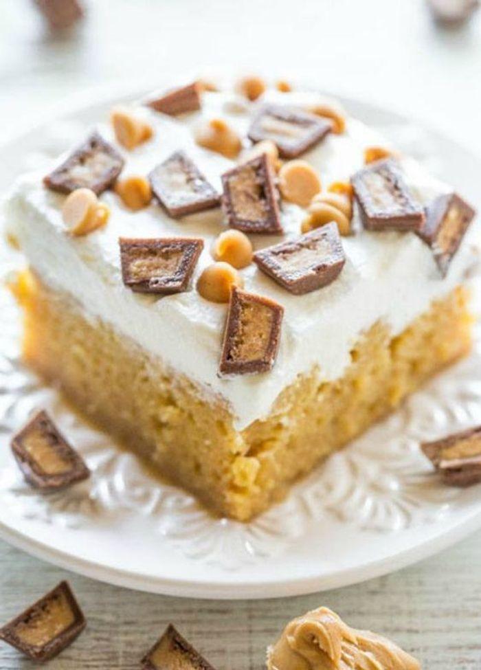 Poke cake au beurre de cacahu tes connaissez vous le poke cake elle table - Gateau beurre de cacahuete ...