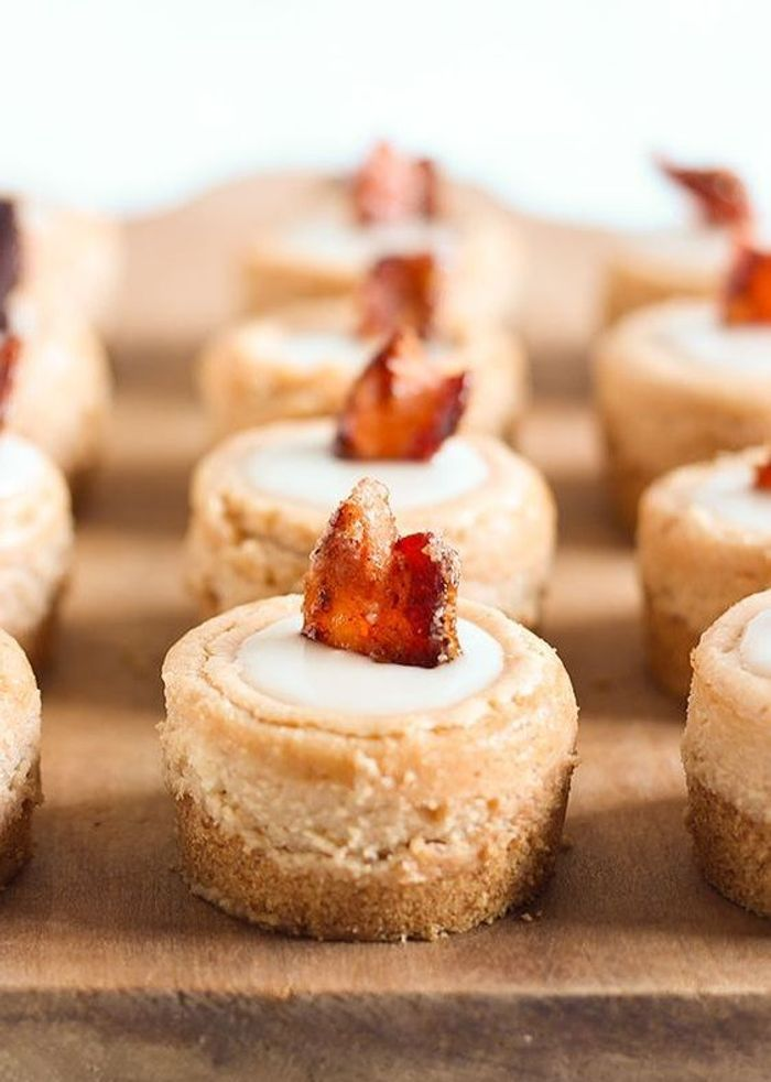 mini cheesecakes bacon rable que faire avec du bacon pour ugrader son menu elle table. Black Bedroom Furniture Sets. Home Design Ideas