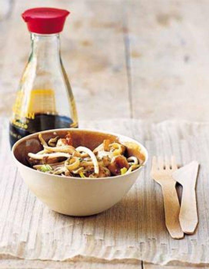 elle a table cuisine recettes wok poulet soja r veillon chinois de l exotisme dans nos. Black Bedroom Furniture Sets. Home Design Ideas