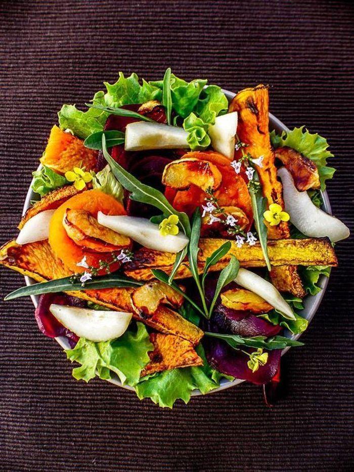 salade d automne aux noix ces salades d automne manger toute la semaine elle table. Black Bedroom Furniture Sets. Home Design Ideas