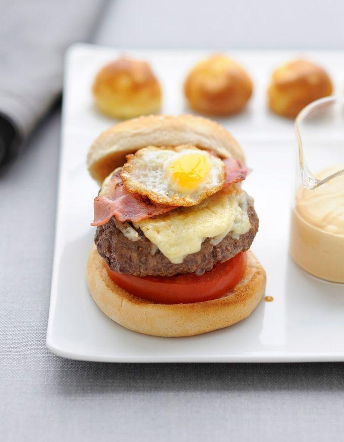 lovely les recettes de cyril lignac 14 burger pur aubrac. Black Bedroom Furniture Sets. Home Design Ideas